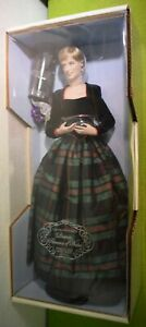 FRANKLIN MINT DIANA PRINCESS OF CHARM PORCELAIN DOLL IN TARTAN DRESS