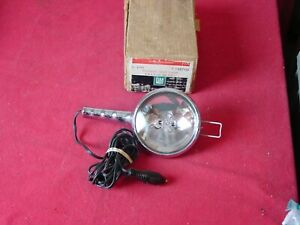 NOS #987112 GM PORTABLE SPOT LAMP LIGHT 12V CHEVY PONTIAC OLDS CADILLAC