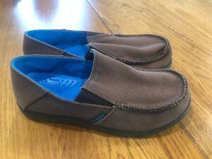 Crocs Santa Cruz Boys Size 3 Canvas Espresso Brown Slip-On Loafers Shoes