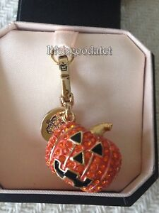 BRAND NEW! JUICY COUTURE PAVE PUMPKIN BRACELET CHARM IN TAGGED BOX