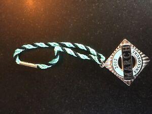 Very Rare 2012 March Enclosure Goodwood Revival Members swing badge pin medal
