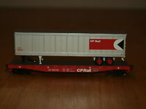 Athearn HO  92066 Canadian Pacific 50' Flat with Trailer