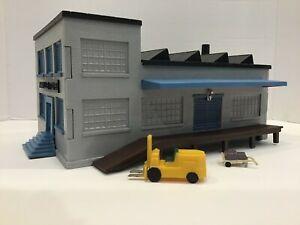 Vintage Marx Plasticville Factory Building - O Scale