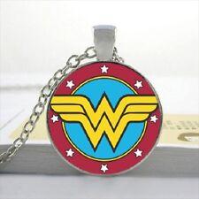 Collana con ciondolo a forma di Wonder Woman/80s TV GIOIELLI IDEA REGALO Dc Super Eroe Fumetto