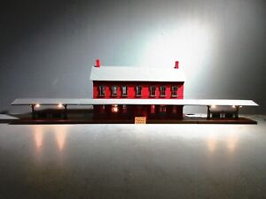 MTH Red Passenger Station Building with Dual Platforms 30-9014 O.B.+SHIPP.BOX