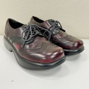 Dansko Ox Blood womens red lace up wing tip oxford shoes size EU 39 US 8.5/9