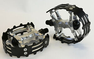 "Old School BMX Beartrap Pedals Black - 9/16"" Three Piece Cranks"