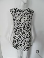 NEW LOOK - WHITE, BLACK PRINT,CREW NECK, C/SLEEVED,DRESS SIZE 8 - 100%POLYESTER