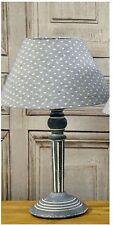 In legno Shabby Chic Grigio Small Bianco Lampada da tavolo Cuori min7062a