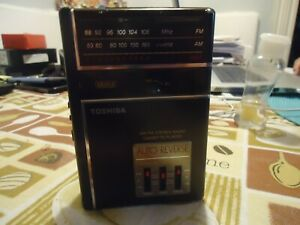 Toshiba AM-FM Stereo Cassette Player With Auto-Reverse Model KT-4038 (1988)