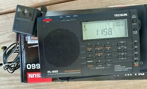 Tecsun PL-660 AM/FM World Band Short Wave Radio with Power Supply & Case