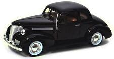 MOTOR MAX 1/24 DISPLAY AMERICAN CLASSICS 1939 CHEVROLET COUPE Diecast Car 74247