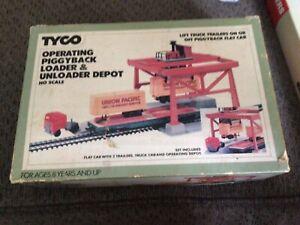 VINTAGE, TYCO HO OPERATING PIGGYBACK LOADER/UNLOADER, Brand New open box