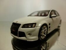 BIANTE 43306B HOLDEN HSV W427 2008 - WHITE 1:43 - EXCELLENT - 12