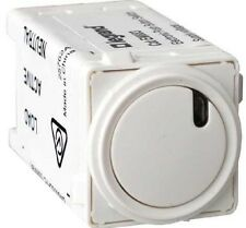 Legrand ELECTRONIC PUSH BUTTON SWITCH EM883WE 5A 240V 500VA 3-Wire Type, WHITE