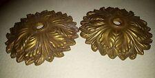2 sous bobèche ou rosace en bronze ou laiton lustre Diamètre : 7 cm décor ciselé