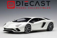 AUTOart 79131 Lamborghini Aventador S (Balloon White/Pearl White) 1:18TH Scale