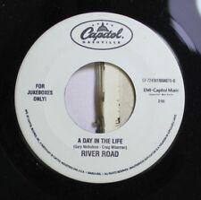 90'S 45 River Road - A Day In The Life / I Broke It, I'Ll Fix It On Capitol Nash