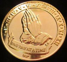 Gold plate Alcoholics Anonymous AA Medallion Praying Hands NA Narcotics Coin