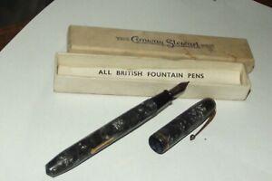 vintage Conway Stewart fountain pen 14k gold nib - paper - boxed