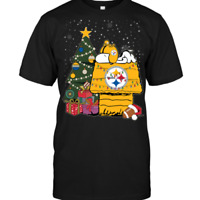 Snoopy Merry Christmas Pittsburgh Steelers NFL Funny Peanuts Black T-Shirt S-6XL