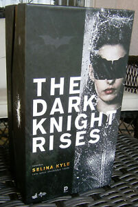 THE DARK KNIGHT RISES: SELINA KYLE (Catwoman) Collector's Edition Figure