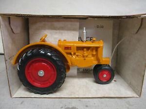 "Minneapolis Moline Model J Toy Tractor ""1987 Toy Festival"" 1/16 Scale, NIB"