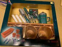 2239468-Theo Klein 2781 - Bosch Plant Set The Piantare gardener play set kids