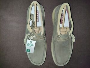 Men's Wallabee cup Clarks shoes new in box color dark green size 11