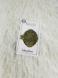 Disney parks Collection Snow white Fairest one ofall Evil Queen Magic Mirror Pin