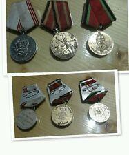 Serie 3 medaglie/spille 1945/1975  1945/1965 con nastrini...
