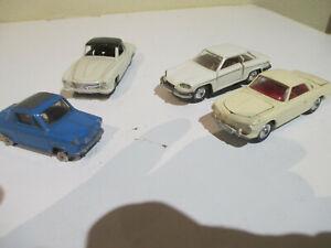 Lot de 4 véhicules Dinky , Corgi, Norev