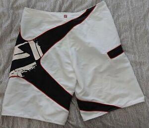 QUIKSILVER mens Board shorts - white - size 36 waist