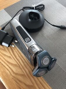 Philips Shaver Series 7000 Wet & Dry Men's Electric Shaver S7788/55