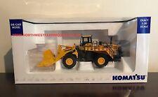 UNIVERSAL HOBBIES KOMATSU WA600 WHEELED LOADER 1:50 SCALE (DEALER BOX)