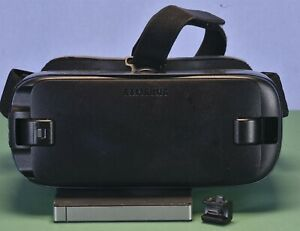 SAMSUNG Gear VR Powered By Oculus SM-R323 with remote