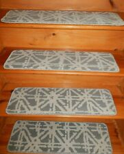 "15 Step  9"" x 30""  Stair Treads 100% Wool  Carpet"