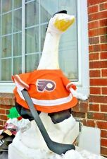 GOOSE CLOTHES 4 LAWN GOOSE PHILADELPHIA FLYERS HOCKEY CEMENT PLASTIC GARDEN