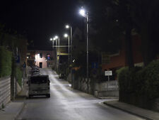 Apparecchio per illuminazione stradale a LED