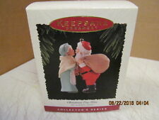 1995 Hallmark Keepsake Ornament Chrismas Eve Kiss  #QX5157 #10 in the series