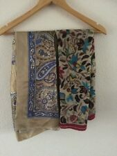 2X Ladies Scarves Floral Prints <R1637