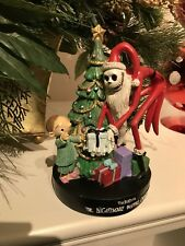 NIGHTMARE BEFORE CHRISTMAS Santa Jack HOLIDAY Statue Figure Tree Boy Present