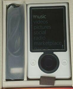 Microsoft Zune Model White 30GB Digital Mp3 Audio Media Player