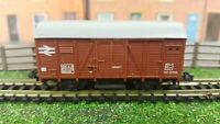 Hornby Minitrix - N Gauge - N505 - Van in BR Brown