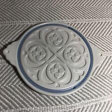 Vintage Pfaltzgraff Yorktowne Round Celtic Knots & Hearts Trivet w Handles 518