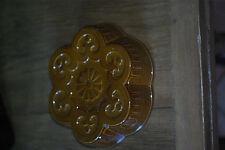 Moule ancien a gateau  en terre cuite émaillé de forme arrondie, tres rare n°2
