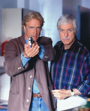 DICK VAN DYKE & BARRY VAN DYKE UNSIGNED PHOTO - 4220 - DIAGNOSIS MURDER