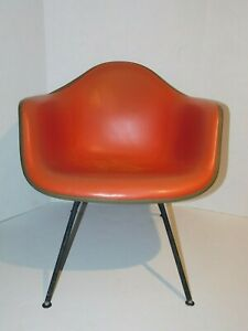 Vtg Herman Miller Fiberglass Shell Upholstered Eames Chair Mid Century Modern