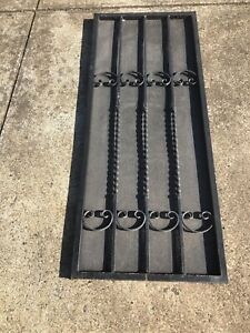 Metal outdoor garden frame (with Mesh Wire)