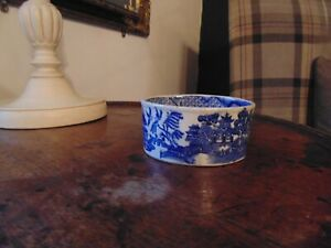 1800s Blue and White Willow pattern Oval Bowl.
